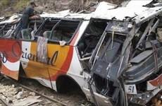 Reportan 13 muertos en Filipinas por accidente de camión volcado