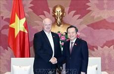 Mantiene Vietnam compromiso de ofrecer condiciones óptimas a inversores extranjeros