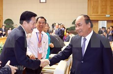 Destaca primer ministro vietnamita importancia del sector privado en la economía nacional