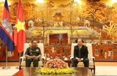 Fortalecen Hanoi y Phnom Penh sus relaciones amistosas