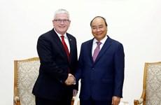 Otorga Vietnam medalla de amistad a embajador australiano