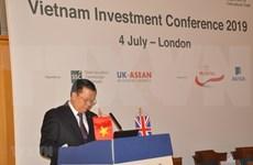 Muestran inversores británicos interés en sector financiero de Vietnam