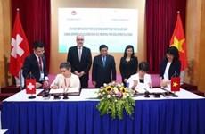 Recibe Vietnam cooperación de Suiza para desarrollar parques eco-industriales
