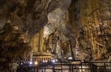 Recibe cueva vietnamita récord continental por sus magníficas estalactitas