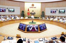 Exhorta premier de Vietnam a perfeccionar marco legal sobre seguridad de tránsito