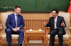 Vicepremier y canciller vietnamita recibe a delegación rusa