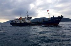 Rescatan a seis pescadores vietnamitas tras naufragio