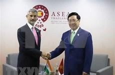 Vicepremier vietnamita se reúne con cancilleres de India y Bangladesh