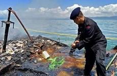 Provocan incendio de barco en Indonesia siete muertos y cuatro desaparecidos