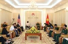 Subjefe del Estado Mayor General del Ejército de Vietnam recibe a senadora estadounidense