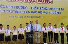Otorgan en provincia vietnamita de Long An becas para estudiantes destacados