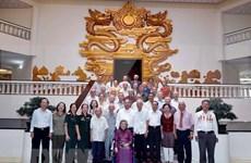 Premier vietnamita se reúne con exoficiales que servían al presidente Ho Chi Minh