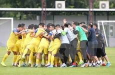 Exhorta premier vietnamita a futbolistas a lograr mejor actuación en torneo regional