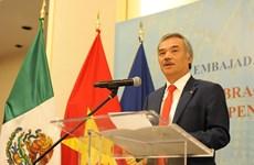 Celebran vietnamitas en México y Canadá el Día Nacional del país indochino