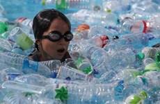 Tailandia lanzará robots para recoger desechos plásticos