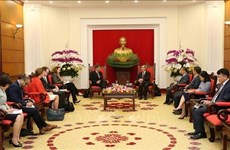 Reitera Vietnam carácter prioritario del fomento de lazos económicos con EE.UU.
