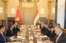 Acordaron Vietnam y Hungría intensificar cooperación en tecnologías y comunicación