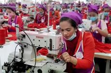 Salario base de trabajadores de industria textil de Camboya aumentará a partir de enero de 2020