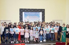 Inauguran curso gratuito de idioma vietnamita en la República Checa
