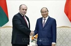 Vietnam atesora relaciones con Belarús, afirma su primer ministro