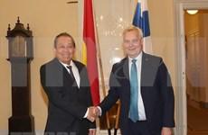 Vietnam y Finlandia se proponen intensificar lazos en sectores potenciales