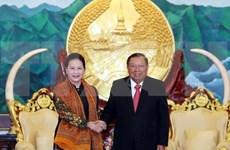 Secretario general del Partido y presidente de Laos recibe a titular del parlamento de Vietnam