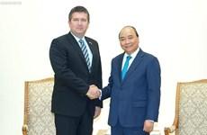 Recibe Primer Ministro de Vietnam al subtitular del Gobierno checo