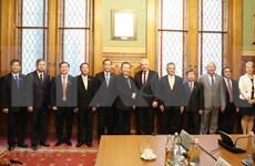 Formula Vietnam votos por fomentar lazos multifacéticos con Hungría
