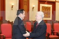Recibe máximo dirigente de Vietnam a primer ministro de Camboya