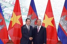 Reafirman primeros ministros de Vietnam y Camboya relaciones bilaterales de fraternidad inseparable