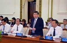 Instan a nuevos embajadores vietnamitas a contribuir al desarrollo de Ciudad Ho Chi Minh