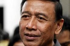 Acuchilla presunto terrorista al ministro de Seguridad de Indonesia