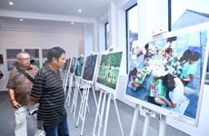 Honran fotógrafos nacionales y extranjeros la belleza de Hanoi