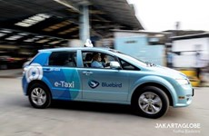 Incluye el mayor operador de taxis de Indonesia nuevos autos eléctricos en su flota