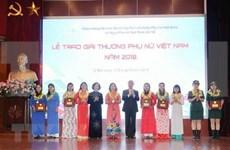 Celebran en Hanoi diversas actividades en ocasión del Día Nacional de la Mujer