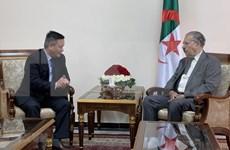 Patentizan en Argelia compromiso de fomentar cooperación multifacética con Vietnam
