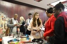 Promueven Vietnam y Sudáfrica la colaboración económica