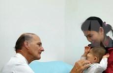 Realizará médico estadounidense operaciones quirúrgicas gratuitas a niños vietnamitas