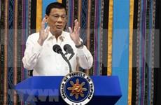 Acorta presidente filipino visita  a Japón por razones de salud