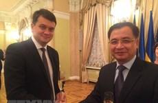 Fortalecen relaciones las Asambleas Nacionales de Vietnam y Ucrania