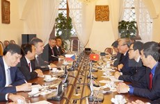 Impulsan relaciones de amistad y cooperación entre Vietnam y República Checa