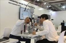 Debaten en Vietnam expertos internacionales sobre tratamientos oftalmológicos