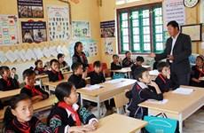 Mejora calidad de la educación para niños en áreas de minorías étnicas