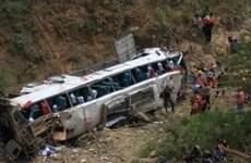 Mueren al menos 16 personas tras accidente de tránsito en Myanmar