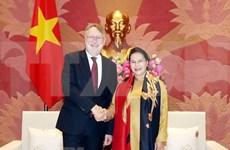 Vietnam reitera deseo de agilizar lazos con UE en economía y comercio