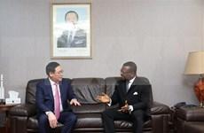 Muestra Vietnam interés en impulsar asociación multifacética con Camerún