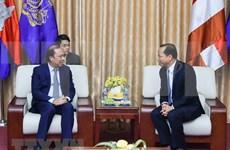 Cancillería de Vietnam felicita a diplomáticos camboyanos por Día de la Independencia de su país