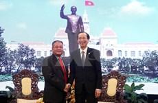 Resalta Camboya apoyo de Vietnam en sector de información y comunicación