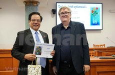Gran diccionario checo-vietnamita recibe premio de Literatura de Praga