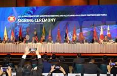 Firman en Vietnam documentos de cooperación en transporte en ASEAN